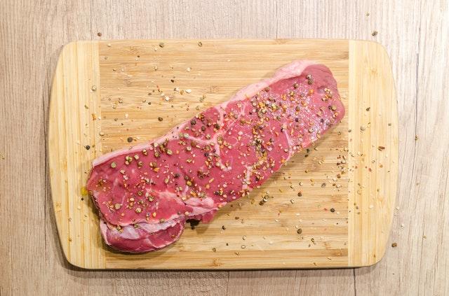 beef-chopping-board-fillet-618775