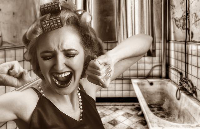 Nešťastná žena, natáčky, kúpelňa.jpg