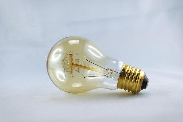 Klasická retro žiarovka.jpg